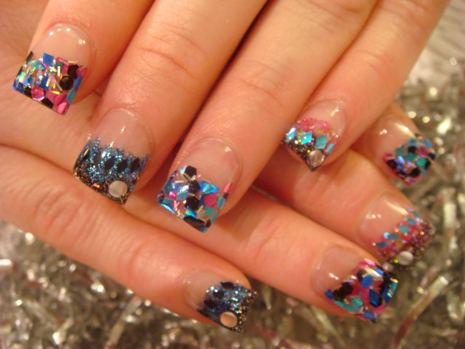 """... opi gel polish in """"opi ink"""". I added some little silver cirlcles"""